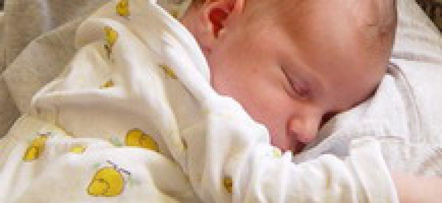 תינוק לא ישן בלילה-7 כללי זהב שיעזרו לך להקל על בעיות שינה אצל תינוקך בלי בכי