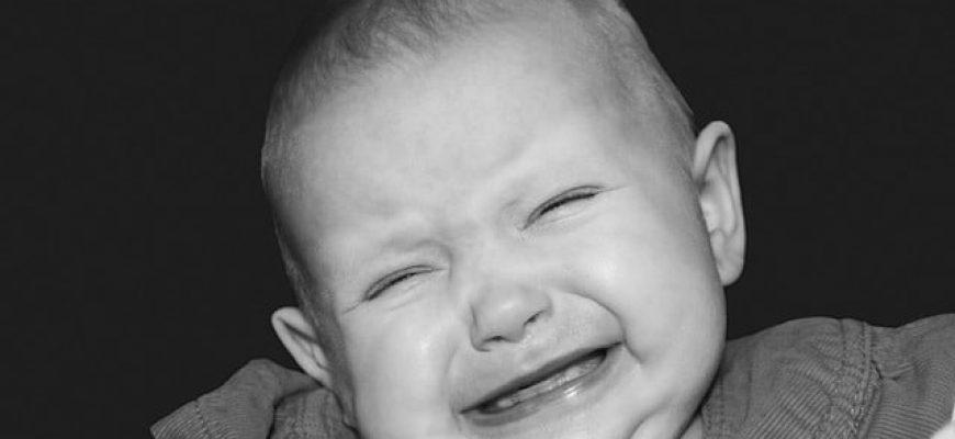 בכי של תינוקות-מידע להורים מודאגים של תינוקות לא רגועים.